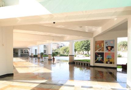 XIS Exterior Foyer